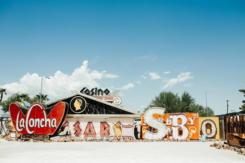 Las Vegas Couples Session, Las Vegas Couples Photo Ideas, Best Las Vegas Photo Locations, Best Las Vegas Photographer, Las Vegas Wedding Photographer, Las Vegas Wedding Photographers, Las Vegas Wedding Photos,  Las Vegas Wedding Photo Ideas, Las Vegas Elopement, Las Vegas Elopement Photographer, Las Vegas Elopement Ideas, Ashley Izquierdo, Las Vegas, Las Vegas Photo Ideas, Top Las Vegas Photo Spots, Photo Spots outside Las Vegas strip