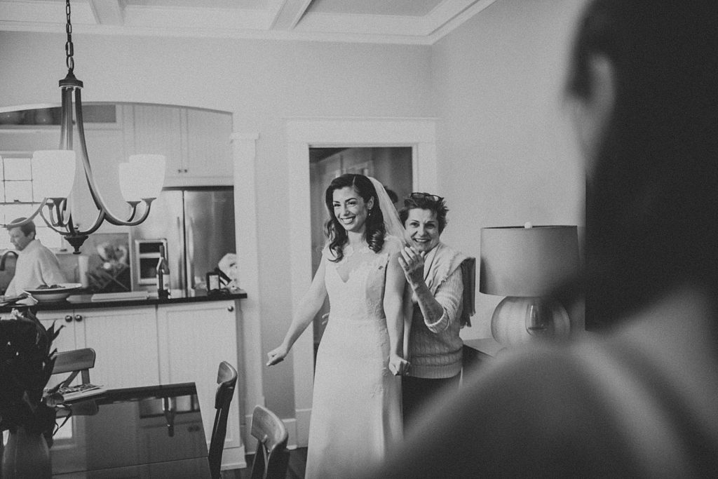gulfport casino wedding, st Petersburg wedding venues, gulfport casino wedding photos, gulfportwedding casino, ashley izquierdo, tampa wedding photographers, tampa wedding photos, tampa wedding venues, best tampa wedding photographers, getting ready photos,