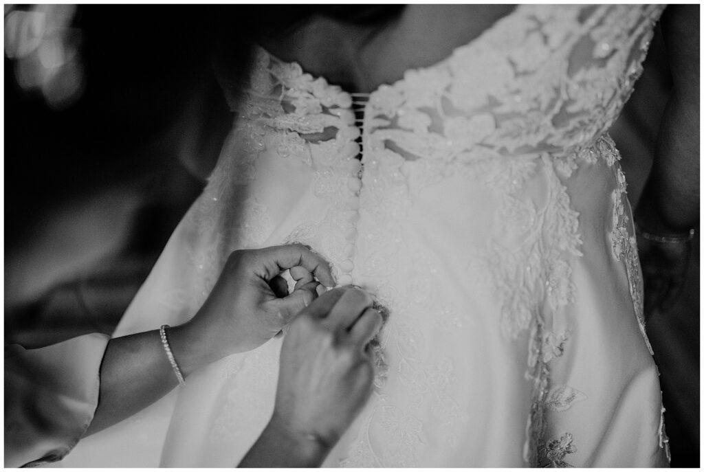 Seasons Catering Wedding, Seasons Catering Wedding Photos, Seasons Catering, New York Wedding Photographer, Ashley Izquierdo, getting ready, bride getting ready