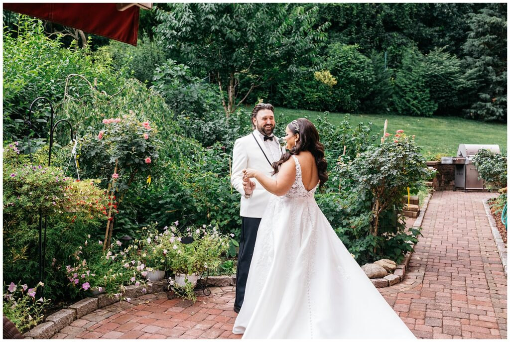 Seasons Catering Wedding, Seasons Catering Wedding Photos, Seasons Catering, New York Wedding Photographer, Ashley Izquierdo, First look